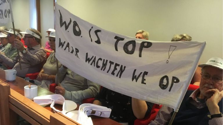 protest spandoek w.o. is top